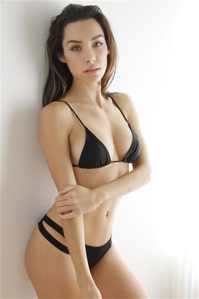 Emily Wilson - Female Model