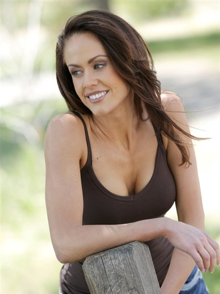 Roxi Ford - Female Model - Donna Baldwin Agency