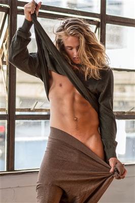 Mitchell Hoog