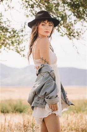 Emma Henry