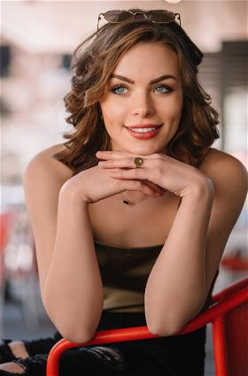 Lindsey Kells